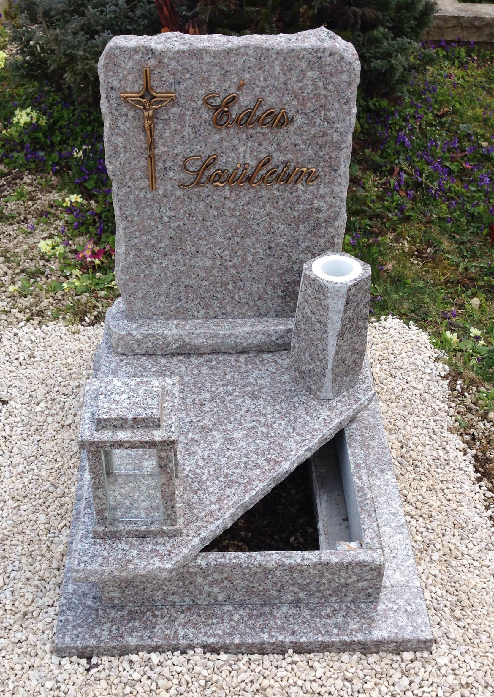 Brown star gránit urnás síremlék akciós ár 155.000 Ft