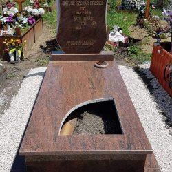 Multicolor szimpla fránit síremlék akciós ár 425.000 Ft