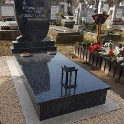 Royal black szimpla gránit síremlék akciós ár 410.000 Ft