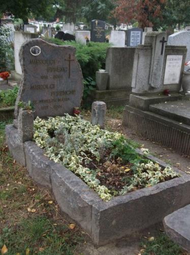 Sziklás sírkövek