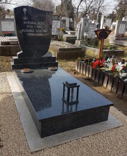 Szimpla sírkövek 300 - 600 ezer forint közötti áron