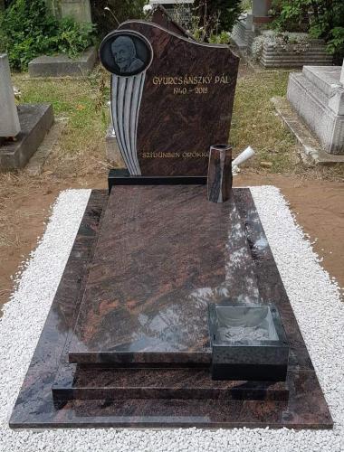Szimpla sírkövek 700 - 850 ezer forint közötti áron